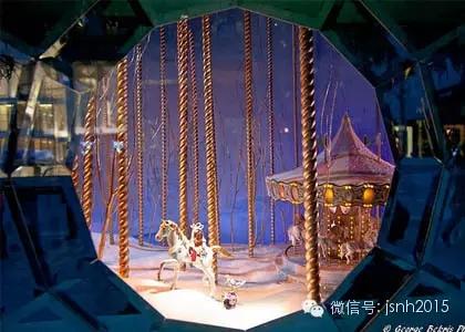 埃菲尔铁塔下的滑冰场,屋顶与气球,嘉年华和舞会这四个情景的动画橱窗