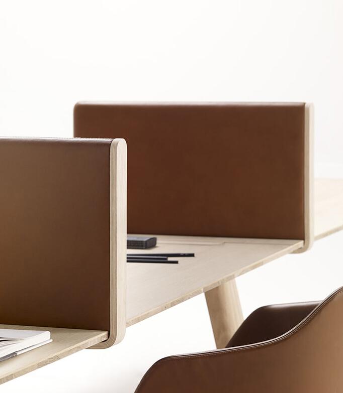 工作室设计的办公桌